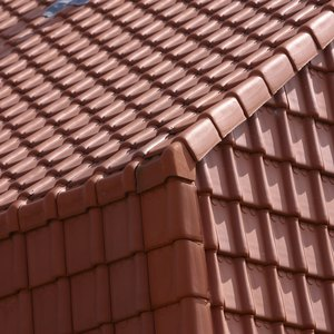 Is it Legal for a Roofer to Pay for a Deductible?