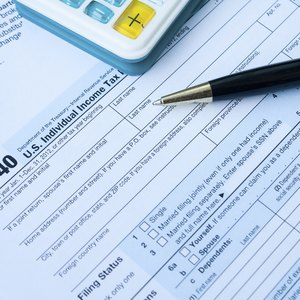 How Many Months Do You Have to Work to File Taxes?