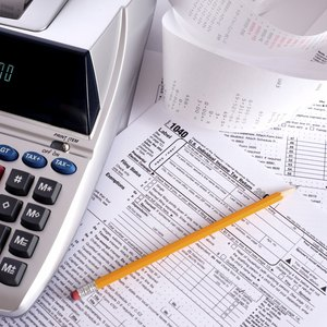 How to Deduct Bankruptcy Loss on Taxes