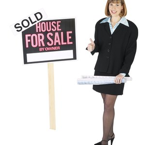 How to Make an Offer on a House That's for Sale by Owner