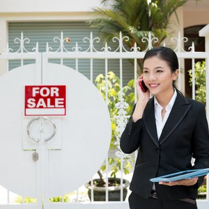 How to File Taxes as a Real Estate Agent