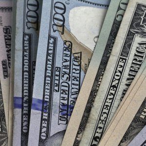 Accrual vs. Cash Advantages & Disadvantages