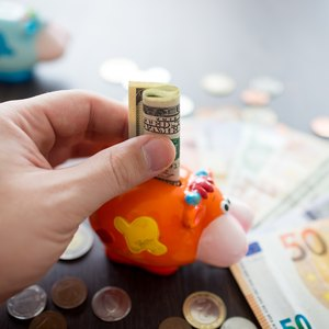 Are 401(k) Deductions Part of Gross Income?