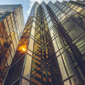 How to Transfer Ownership of Stock in a S Corporation