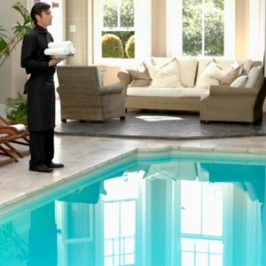 How to Lease to Someone When There Is a Swimming Pool