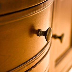 How to Get an Appraisal on Antique Furniture