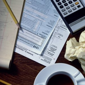 How to Figure Out W-2 Numbers From a Last Paycheck