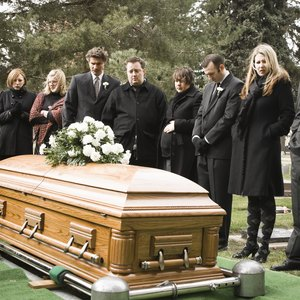 How to Find Out Who the Beneficiary Is on a Deceased Person's Bank Account