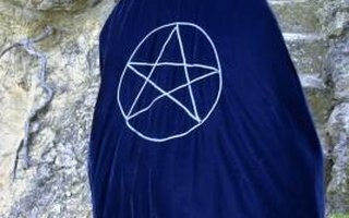 What Is a Wiccan High Priestess?