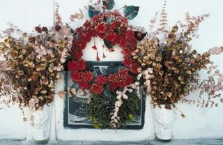 [Article Image] - How to Make Graveside Wreaths