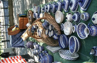 It is important to consider how you display your products in a flea market where visual competition is abundant.