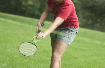 Playing badminton regularly can provide a series of physical and mental benefits.