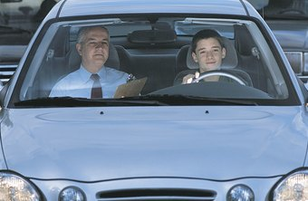 Driving school instructors earn the highest salaries in New York and Washington, D.C.
