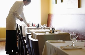 Waiters must ensure their tables are ready for new guests at all times.
