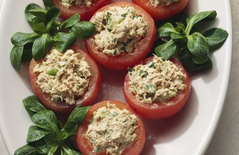 Use fat-free yogurt instead of mayonnaise to make low-calorie tuna salad for breakfast.