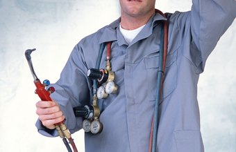 Welding inspectors earn more in West Coast and East Coast states.