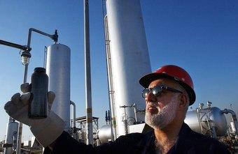 Salary for an Overseas Oil Field Engineer | Chron com