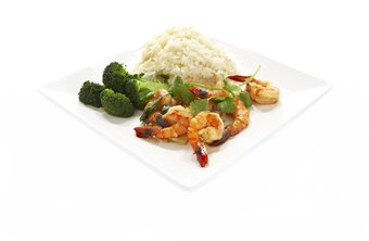 Shrimp and broccoli is a low-calorie alternative to beef and broccoli.