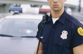 Candidates for police officer must first meet the minimum qualifications.