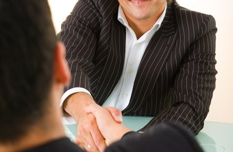 Conversational interviews allow candidates to introduce themselves.