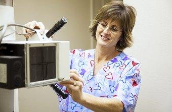 x rays are often used to diagnose broken bones