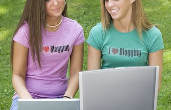 Attract a wider audience for your blog posts by sharing them via a link on Facebook.