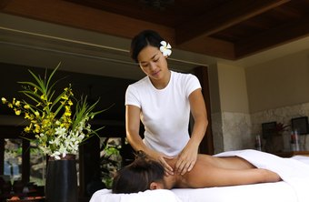 Job objectives for a massage therapist should include experience and work environment.