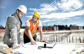 A quantity surveyor project manager works either directly for the contractor or independently as a consultant.