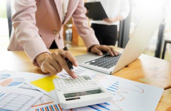 How to Calculate the Percent Sales Growth on an Income Statement