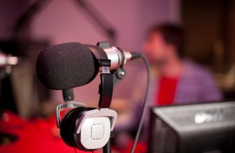 What Is the Advantage of Using TV & Radio Media for Advertising?