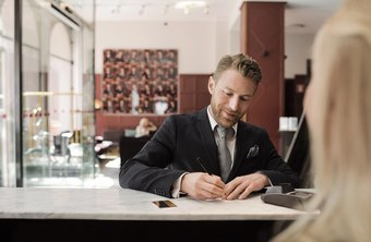 Difference Between a Concierge and Front Desk Staff