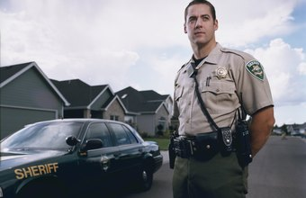 Does a Deputy Sheriff Make More Money Than a Police Officer?