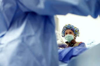 Role of the Scrub Nurse in Eye Surgery