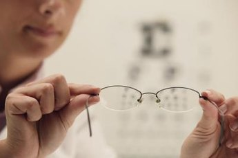 Ophthalmologists enjoy high salaries and good work schedules.