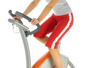 Get the most out of your stationary bike workout by maintaining the right posture while sitting.