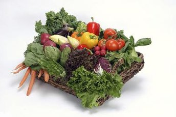 Filling up on fruits and vegetables may help you lose weight.