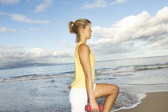 What Is the Difference Between a Lunge & a Split Squat?