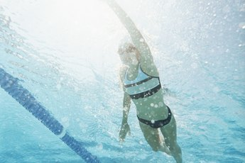 Swimming and Tightening Stomach Muscles