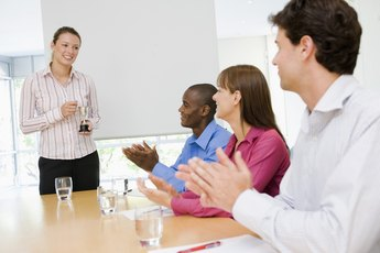 How to Develop a Meaningful Employee Recognition Program