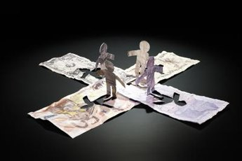 Foreign exchange traders speculate about the direction of major currencies.