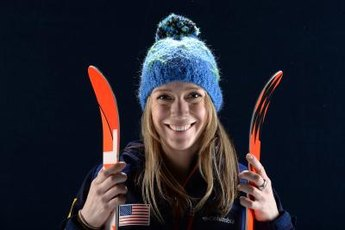 Freestyle skiers favor twin-tip skis.
