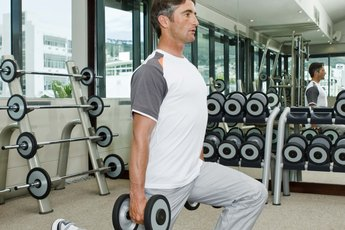 What Are Traveling Front Lunges & Alternating Front Lunges?