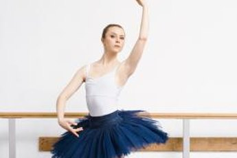 Many dancers use ballet barre exercises to tone and shape their abductor muscles.