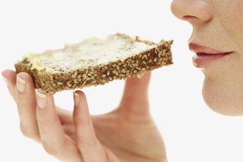 What Are the Benefits of Rye Bread Vs. Wheat Bread?