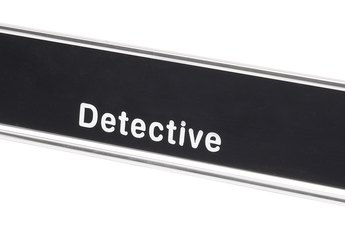 The Average Income of a Detective