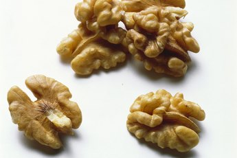 Serving Size for Walnuts - Woman
