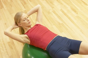Fat Burning Exercises for the Stomach on a Stability Ball