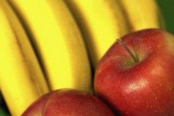 Which One Is the Healthiest, Apples or Bananas?