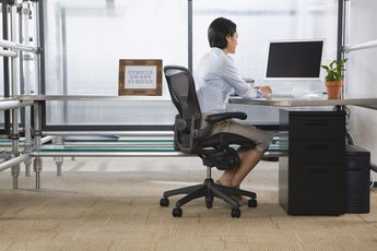 How to Use a Mini Stepper Under a Desk at Work