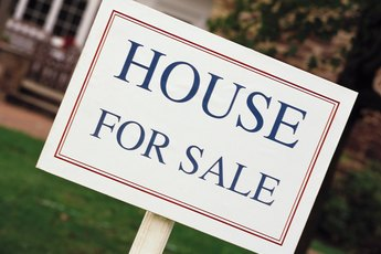 What Happens If a House is Not Sold After Foreclosure?